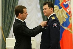 Dmitry_Medvedev_and_Roman_Romanenko_6_may_2010